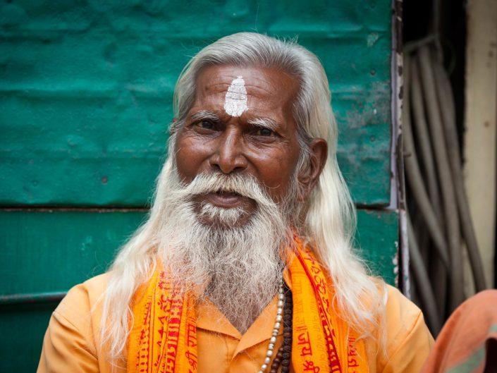 baba-sadhu-varanasi-amigo