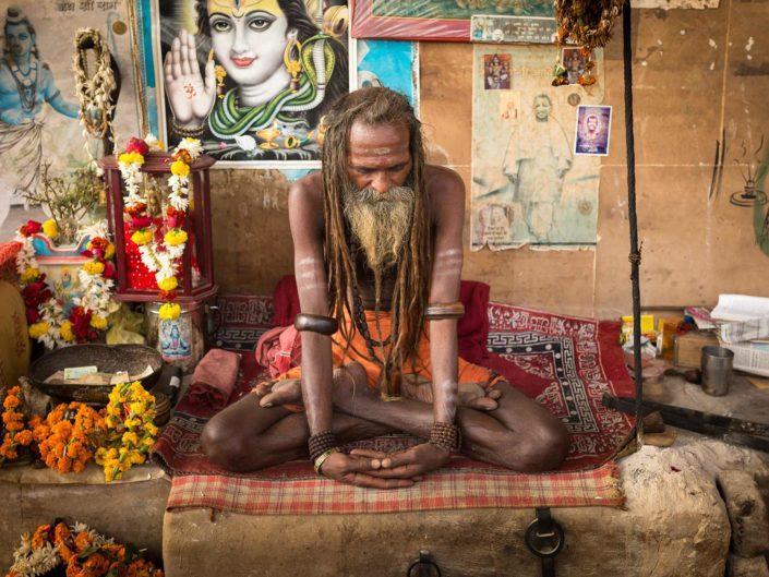 sadhu-varanasi