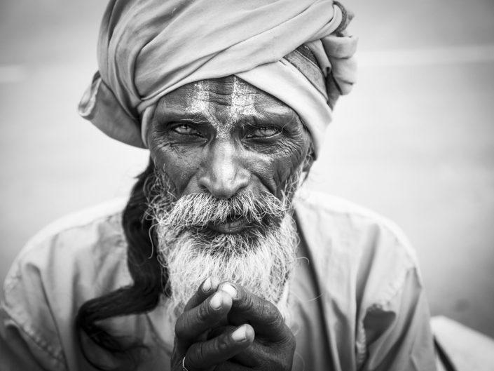 india-sadhu-kumbh-mela